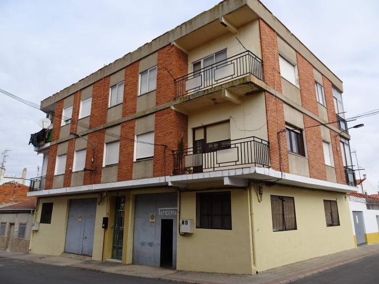 Venta Local calle Badajoz