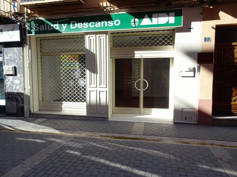 Alquiler local Bernal Díaz