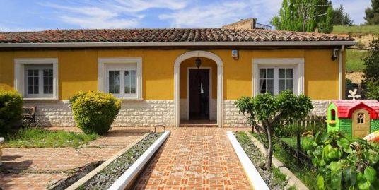 Casa con parcela de 411 m2